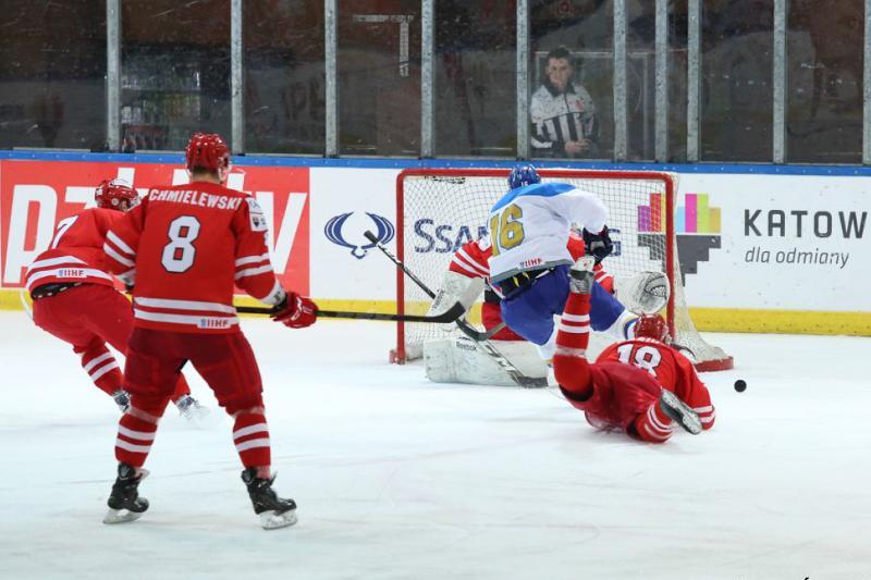 Kazakhstan beats Poland in overtime at 2017 IIHF Ice Hockey World Championship