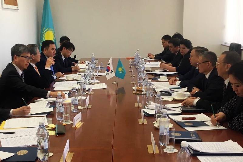 В Астане обсудили участившиеся случаи депортации казахстанцев из Южной Кореи