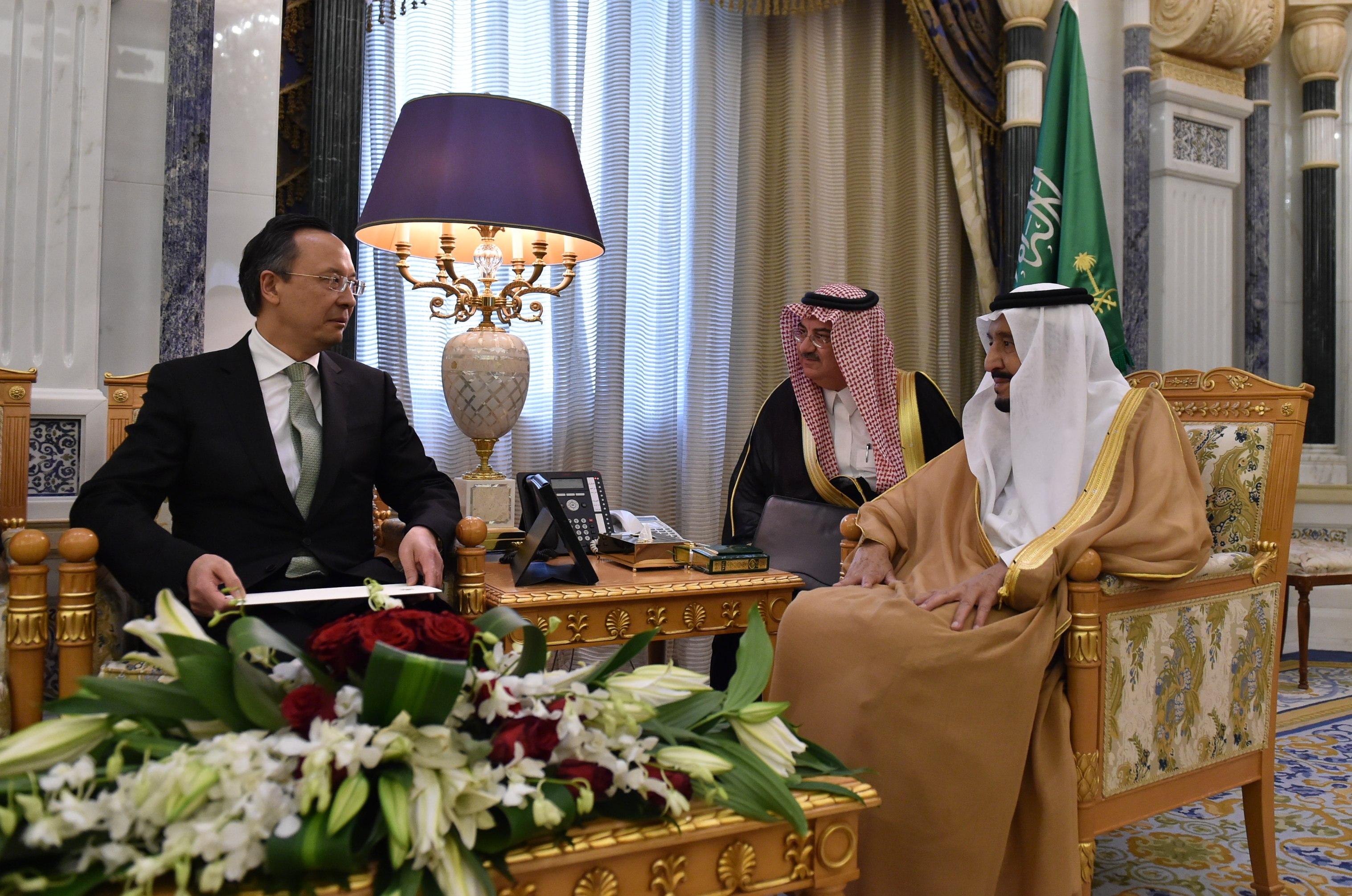 Kazakh President invites King of Saudi Arabia to OIC Summit in Astana