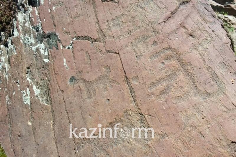 Алматы облысындағы петроглиф жазулары зерттеуді қажет етеді - Дәуренбаев