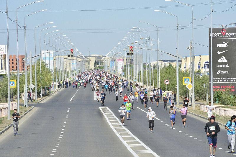 Более 2 тыс человек приняли участие в марафоне в Атырау