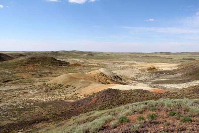 Уникальный метеоритный кратер грабят в Актюбинской области