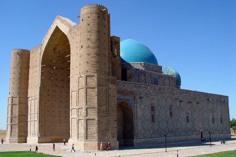 ТОП-3 популярных туристических мест в Южном Казахстане