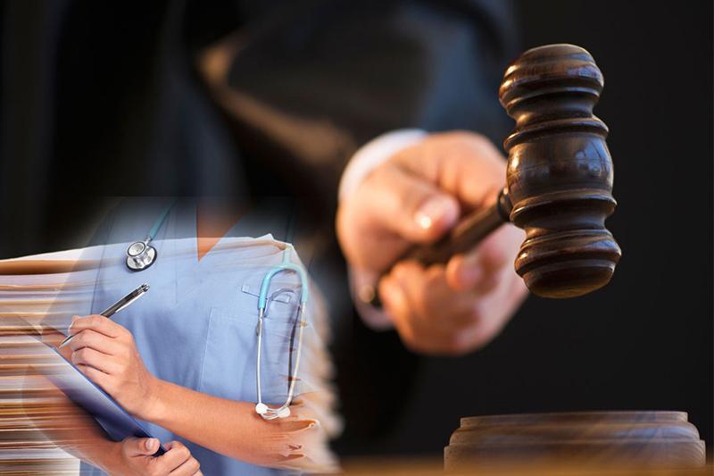 Двух врачей и акушера роддома судят в Атырау