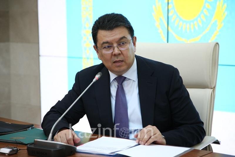 Бозумбаев назвал прогнозные объемы добычи нефти на крупных месторождениях