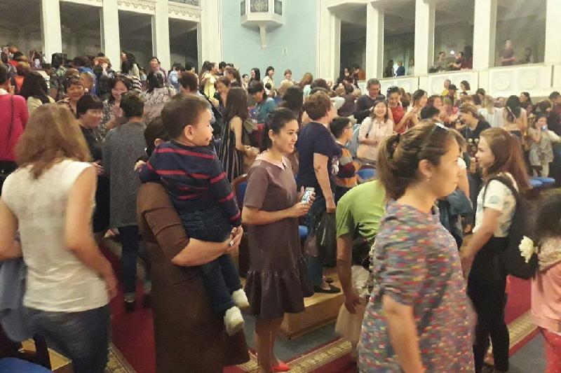 Концерт памяти Батырхана Шукенова прошел в Атырау