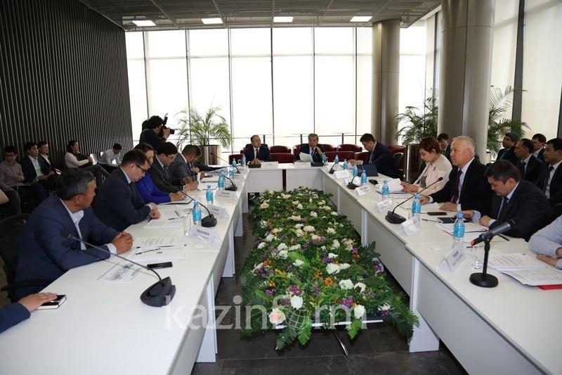 Даурен Абаев сообщил о доходах бюджета благодаря продаже VIP-номеров