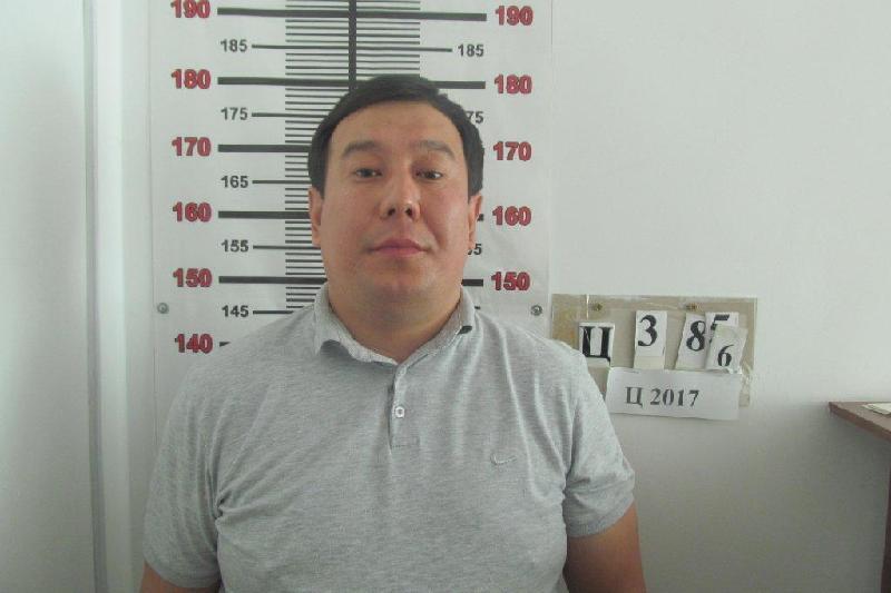Представившийся чиновником мошенник вымогал деньги у продавца в Павлодаре