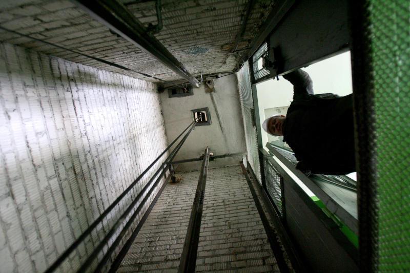 Депутаттар сапасыз лифт қызметі үшін жауапкершілікті күшейтуді ұсынды