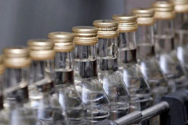 Цех по изготовлению поддельного алкоголя выявили в Павлодаре