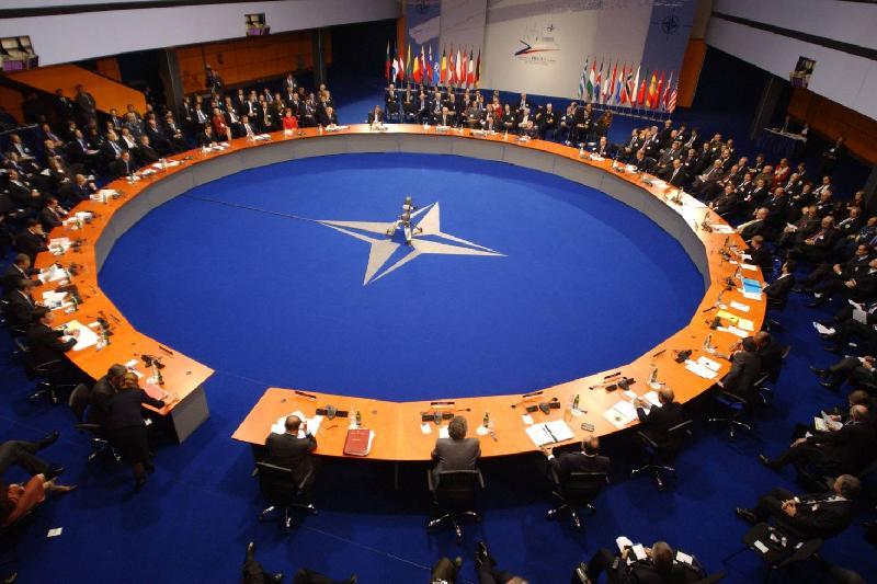 НАТО присоединилось к международной коалиции по борьбе с ДАИШ