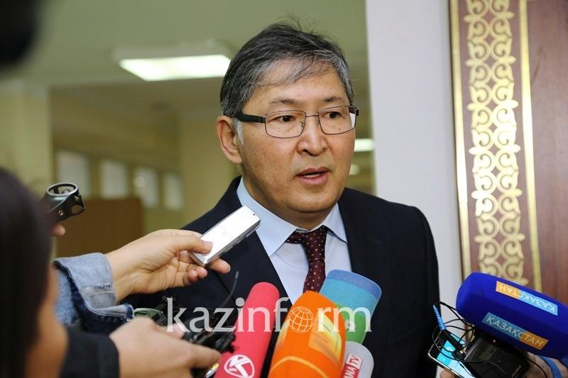 Over 500 classes in Kazakh schools to study in English