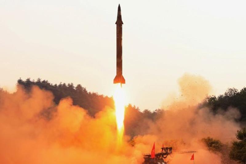 Солтүстік Корея Жапонияға қарай зымыран жіберді
