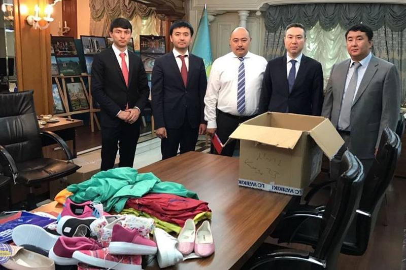 Представители МИД РК оказали помощь многодетной семье в Турции