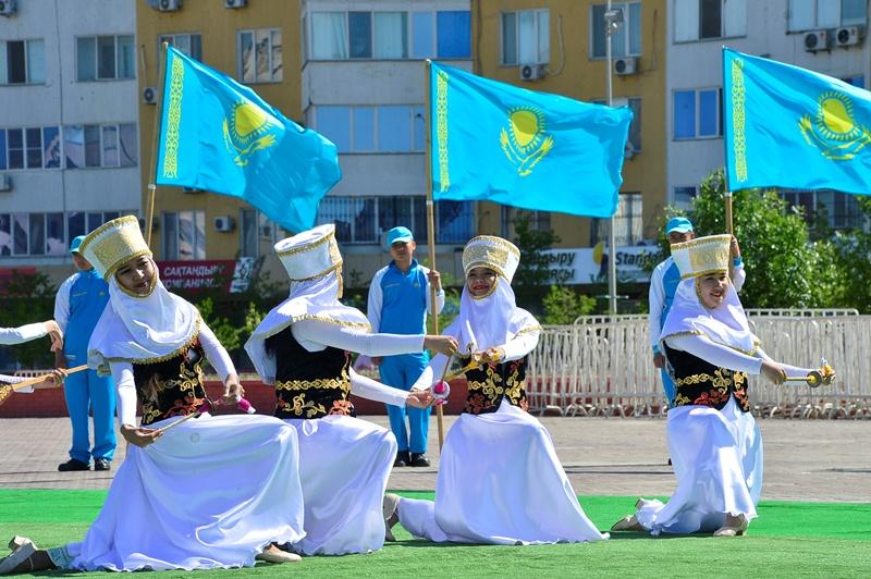 В Атырау празднуют юбилей госсимволов Казахстана