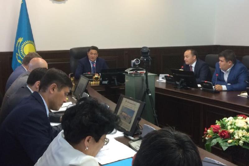 Аким Бакауов раскритиковал работу ответственных за привлечение инвестиций