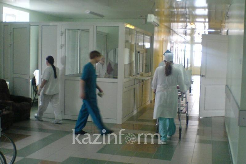 Санавиация доставила в больницу Караганды пострадавшего при падении частей ракеты