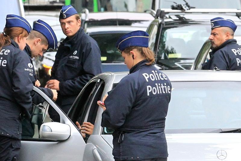 Брюссельдің орталығында полиция жанкешті белдігін байлаған ер адамды атып тастады