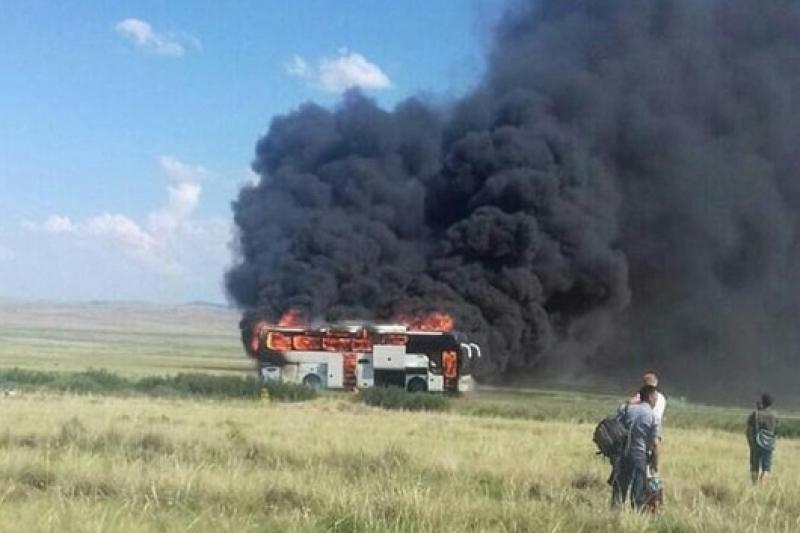 Пассажирский автобус сгорел дотла в Карагандинской области