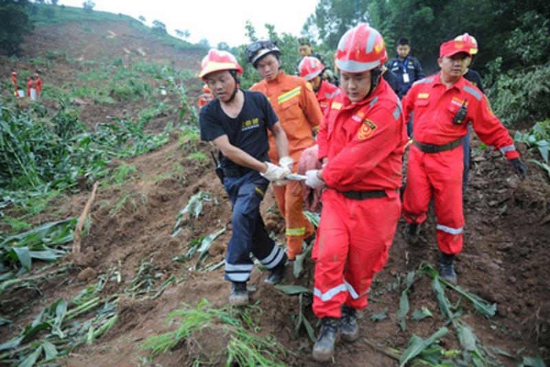 Қытайдағы көшкіннен 100-ден аса адам із-түзсіз жоғалды