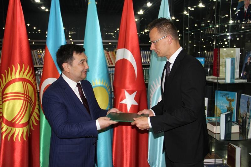 Венгрия подала заявку на статус наблюдателя в Международной тюркской академии