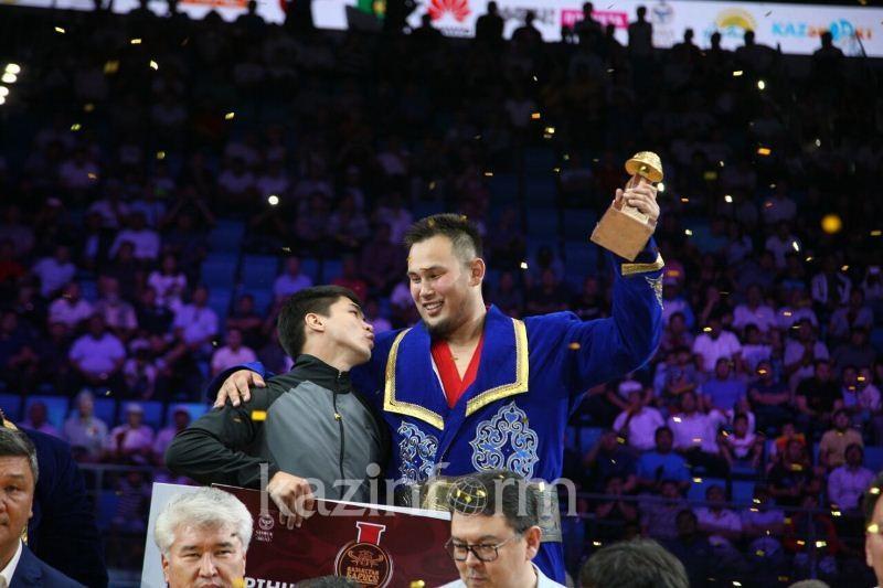 Еламан Ергалиев стал победителем «Қазақстан барысы»