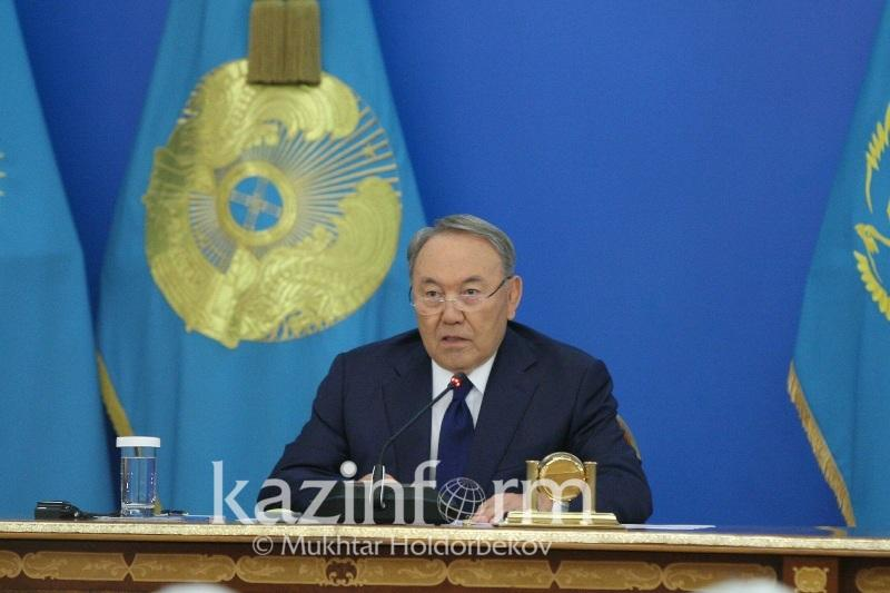 Nursultan Nazarbayev calls on Russia and Ukraine to come to negotiating table
