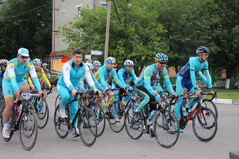 Александр Винокуровтың әкесі Петропавлда өткен велосипед жарысына қатысты