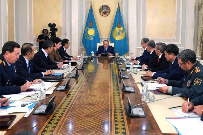 Қазақстан кибершабуылдар қаупіне дайын болуы керек - Назарбаев