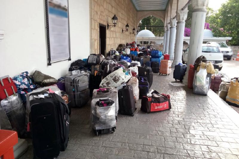 Казахстанцы не могут заселиться в отель в Турции из-за банкротства туроператора