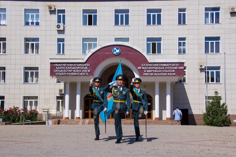 Казахстанский вуз впервые выпустил военных журналистов