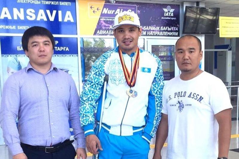 Два «золота» завоевал атырауский пловец-паралимпиец в Германии