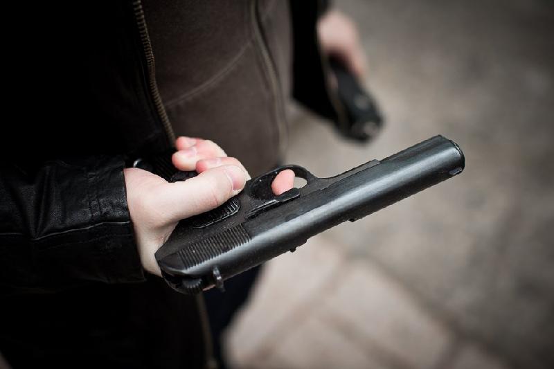 Ақмола облысында ер адам прокуратура қызметкері мен полицейді жаралады