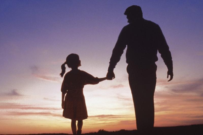 Отец вывез дочь из РК в Дубай и не возвращает матери