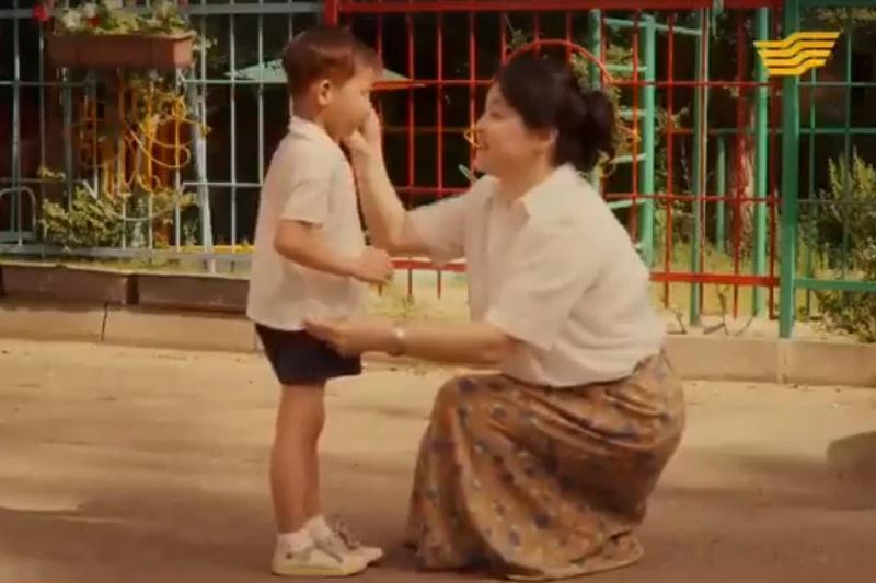 Трогательный ролик о Матери вышел в назидание молодым казахстанцам