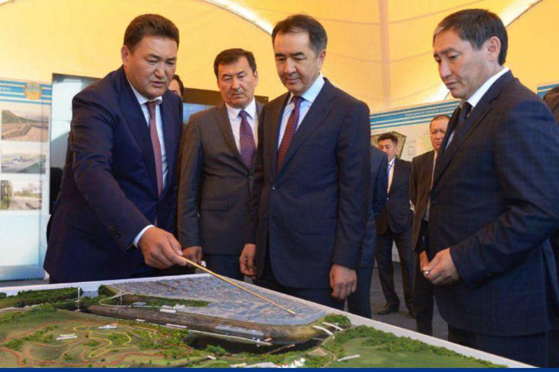 Premier gets to know general layout of Pavlodar's new districts