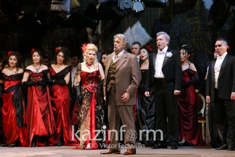 Пласидо Доминго сыграл в «Травиате» на сцене театра «Астана Опера»