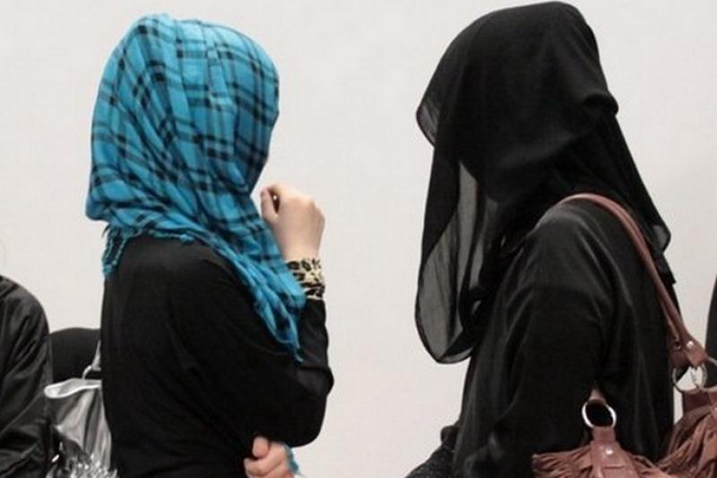 Ношение закрывающей лицо одежды хотят запретить в Казахстане