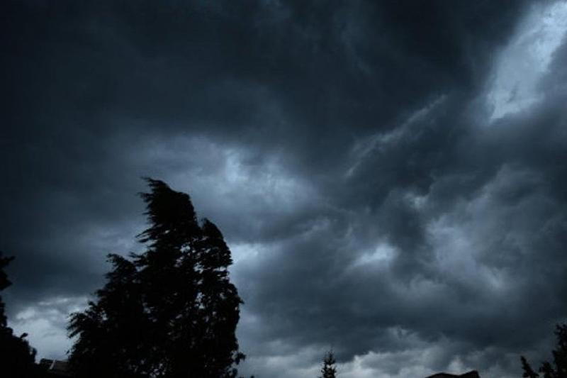 Штормовое предупреждение объявили в двух областях Казахстана