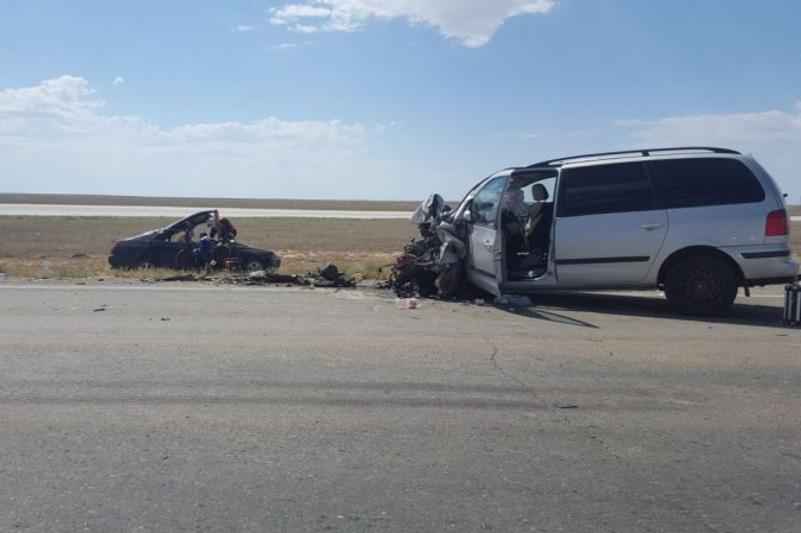 Один человек погиб, восемь пострадали в ДТП в Атырау