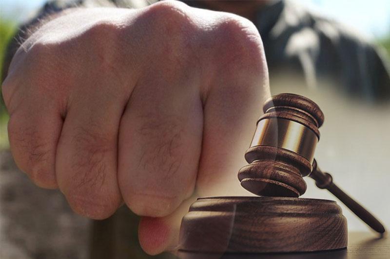 Житель Темиртау оштрафован за удар полицейскому