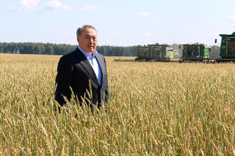 President inspects ploughlands in Akmola region