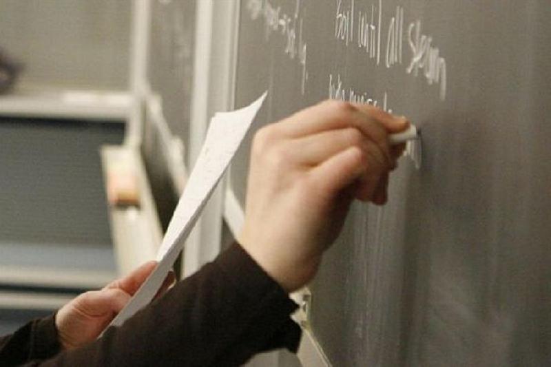217 преподавателей не хватает школам Атырау