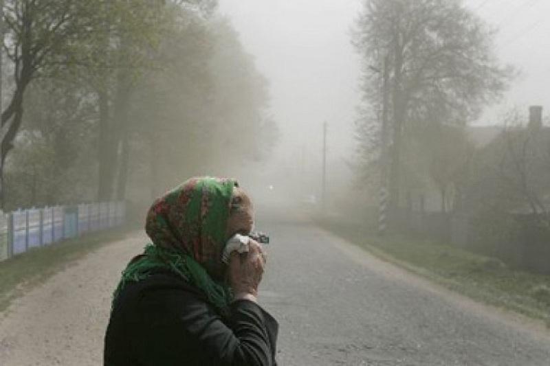 Жители Атырау жалуются на сильный запах нефтепродуктов в воздухе