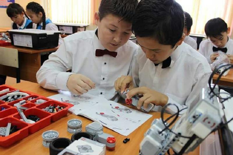 Кабинеты робототехники появятся в десяти школах Тараза