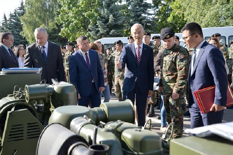 Китай передал в дар армии Молдовы партию техники