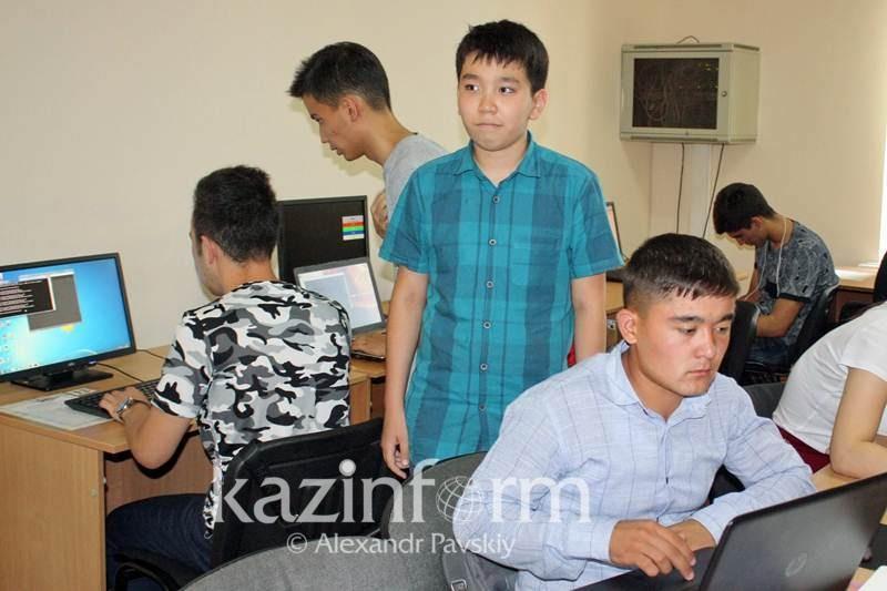 12-летний вундеркинд из Алматы успешно сдал сессию в университете