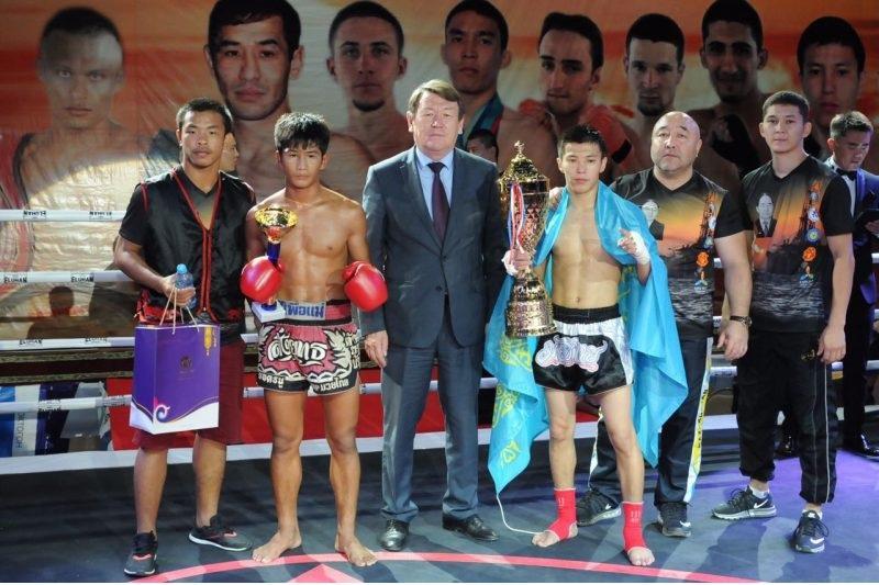 Казахстанские бойцы победили на турнире по тайскому боксу в Атырау