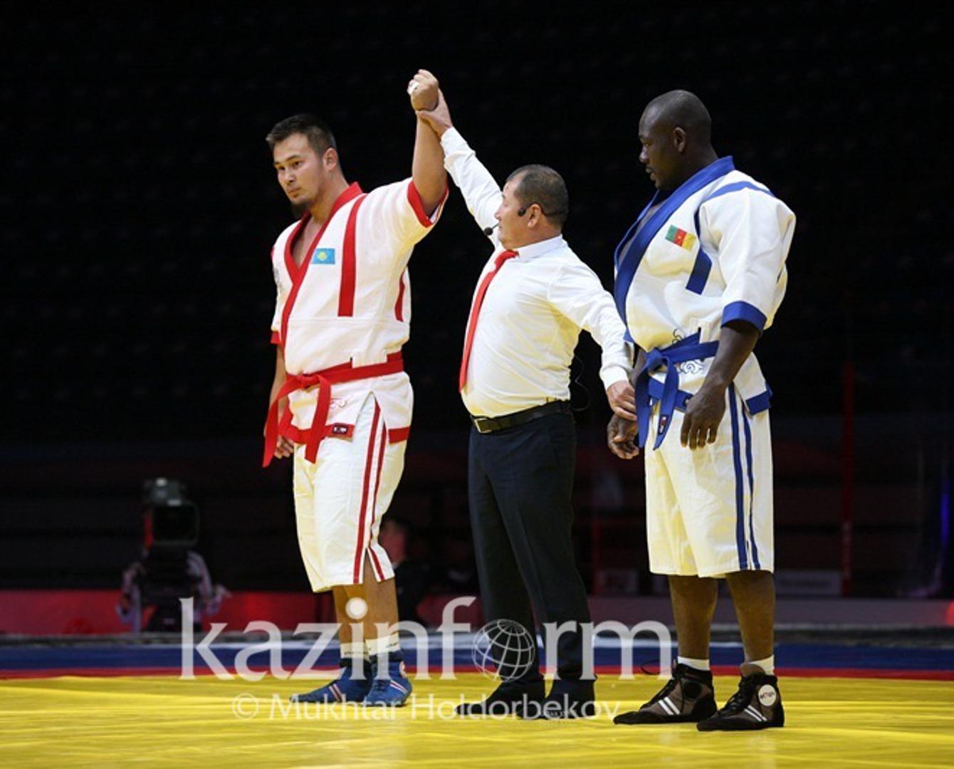Казахстан одержал первую победу на чемпионате мира по казакша курес