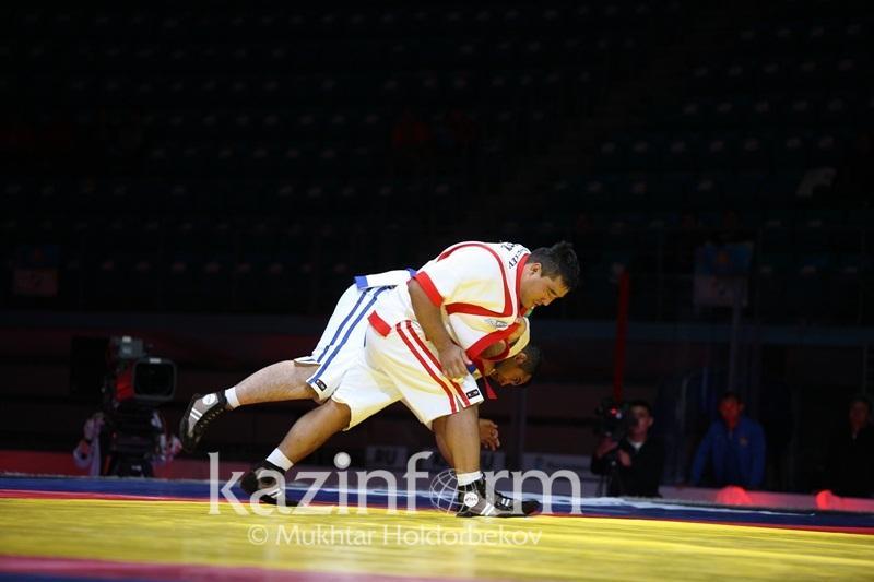 Фаворит казахстанской команды вышел в ¼ чемпионата мира по казакша курес